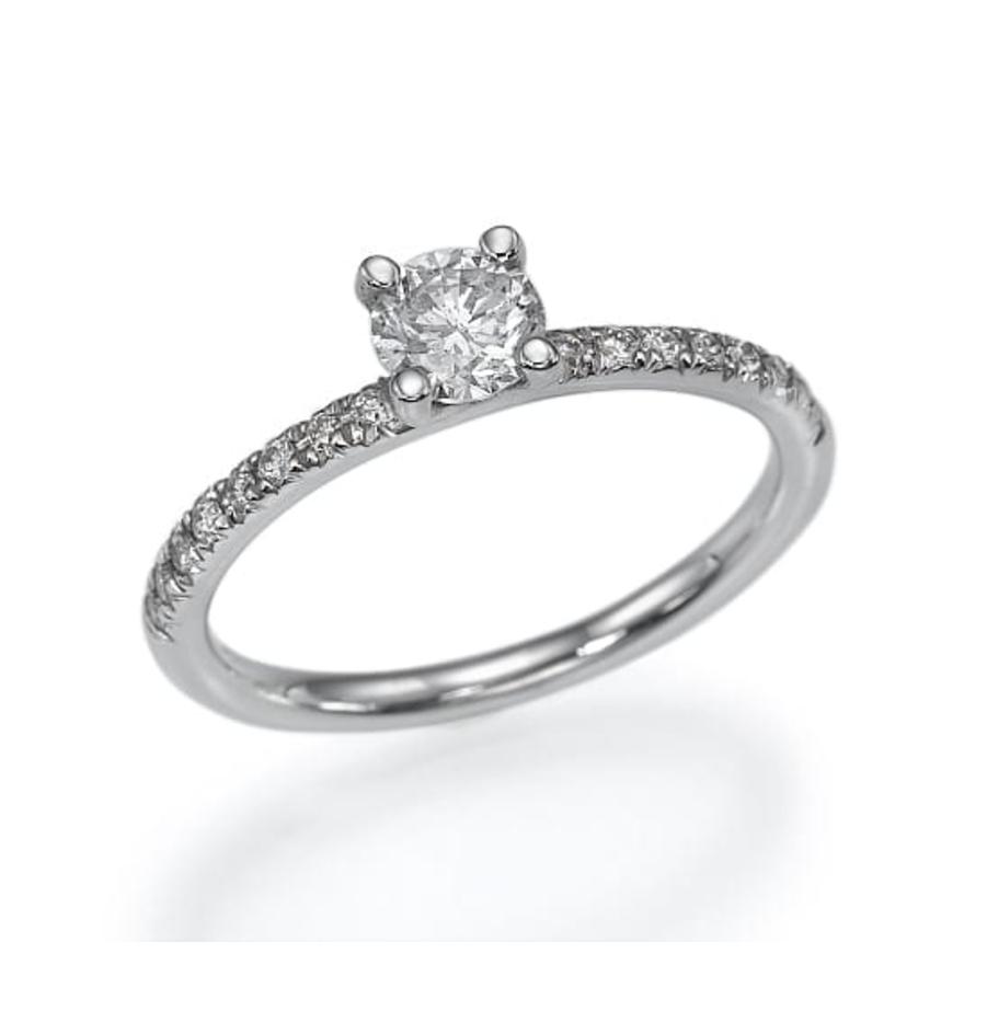 טבעת אירוסין סוליטר עם אבני צד מבית eDiamonds אי דיאמונדס