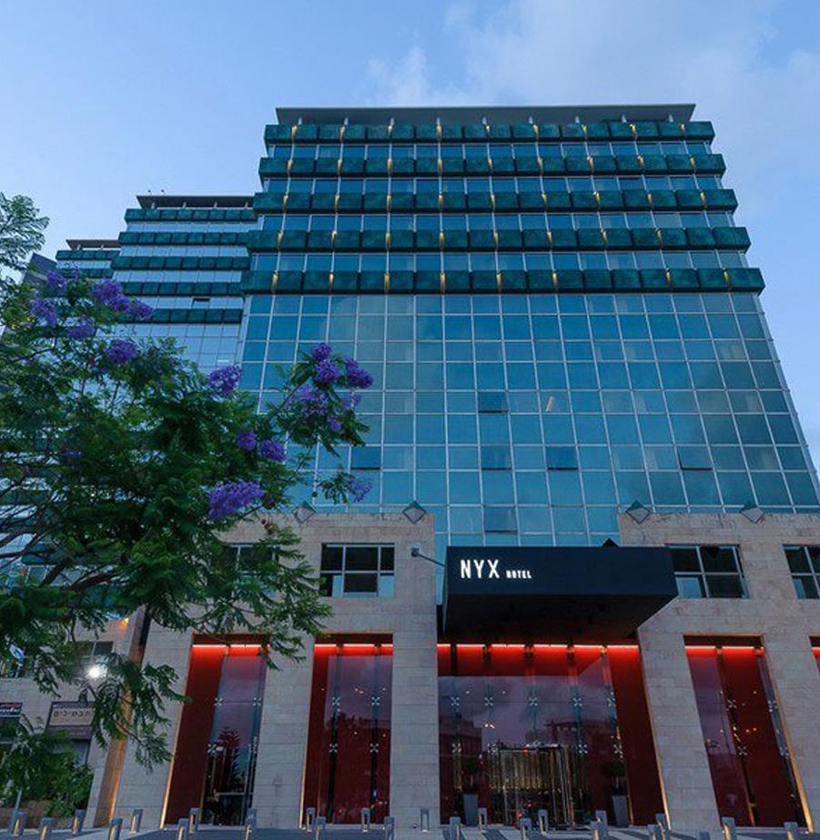 לילה במלון NYX תא וסיור טעימות